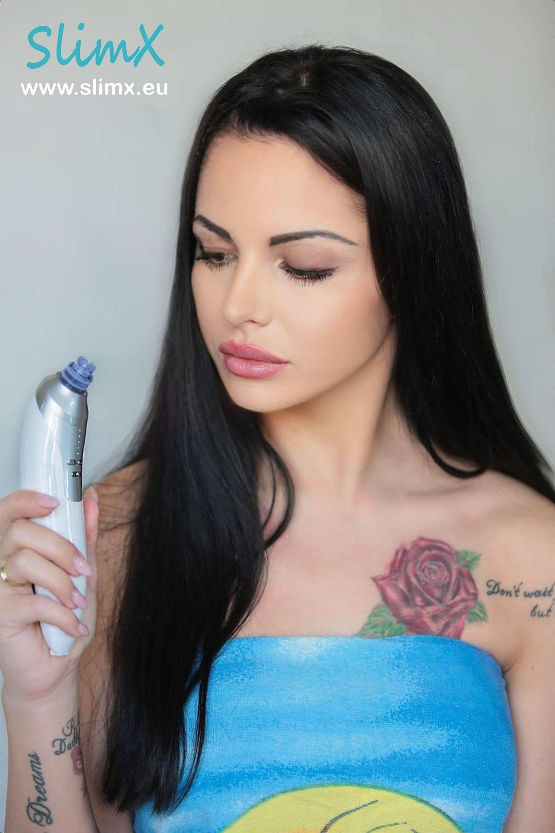 Oczyszczanie skóry twarzy m.in. z zaskórniaków
