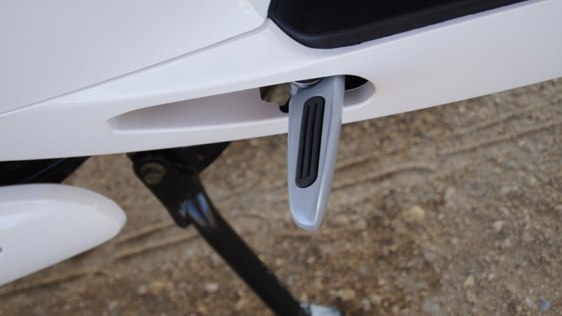 Stopki tylne skutera elektrycznego VELEX DART